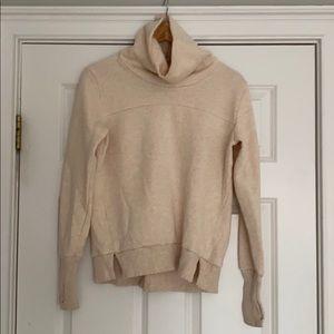Alo yoga sweatshirt size small